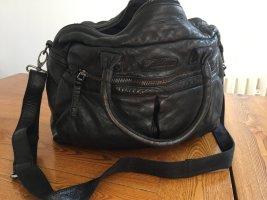 be edgy: Robuste coole Echtledertasche, wie neu!