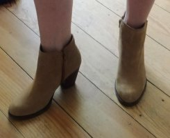 beige Ankleboots