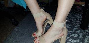 Beige Sandaletten