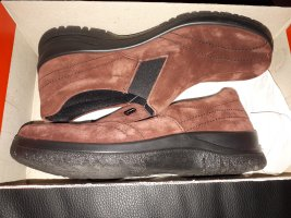 Benefit Slip-on Shoes brown