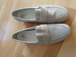 Bequeme Schuhe sandfarben
