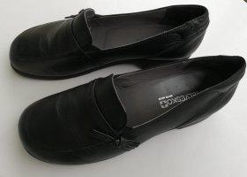 bequeme Slipper aus schwarzem Leder von Helvesko