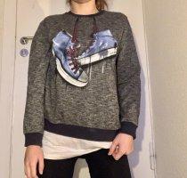 Bequemer und cooler Pullover