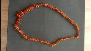 Collana di perle marrone