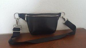 Bershka Shoulder Bag black polyurethane