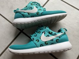 Besondere Nike Sneaker