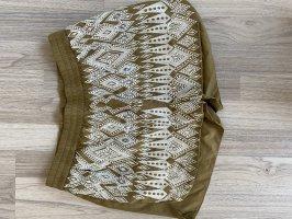 Bestickte Shorts in Oliv