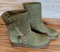 UGG Australia Winter Booties multicolored leather