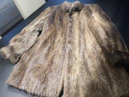 Futrzany płaszcz jasnobrązowy