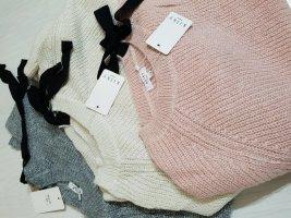 Sweter oversize jasnobeżowy