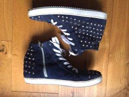 Blau-graue Sneakers mit Nieten von Diva / Biondini Shoes