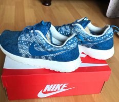 Blau weiße Nike roshe Winter Edition Limited 38,5