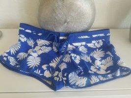 Blau-Weiße Shorts im Blumenprint (M)