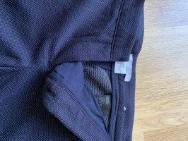 Blaue Anzughose mit Punkten