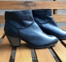 Blaue boots, Stiefeletten