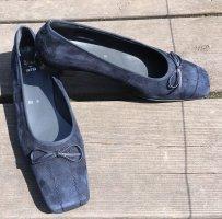 Blaue Nubukleder Schuhe von Ara