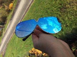 Blaue Sonnenbrille mit verspiegelten Gläsern, Einzigartiges Design