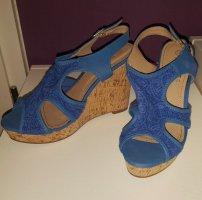 Blaue Wedges