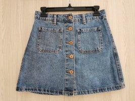 Blauer Jeansrock mit Knöpfen vorn