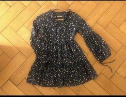 Blaues Kleid mit Sonnenblumen