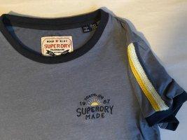 Blaues Tshirt von superdry