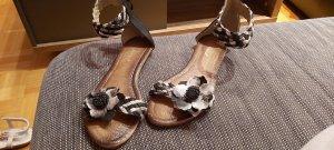 Blümchen Sandalen