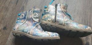 Blümchen Schuhe für den Übergang
