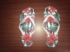 blumige Flip-Flops