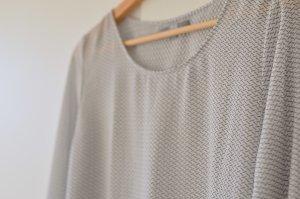 Bluse mit grau-weißem Muster