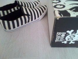 Zapatos de marinero negro-blanco