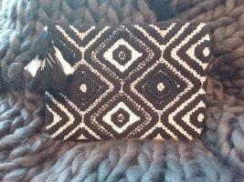 Boho Clutch schwarz/weiß mit Perlenbesatz