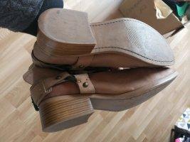 Boots im Bikerlook