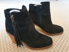 Boots mit Lederquaste