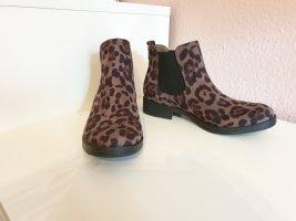 Boots mit Leoprint