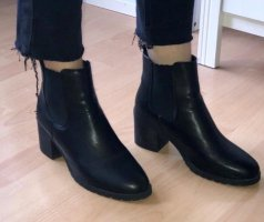 Slip-on Booties black