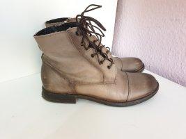 Boots von Mustang