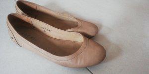 braune Ballerinas