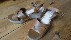 braune Esprit Sandalen mit Keilabsatz High Heels
