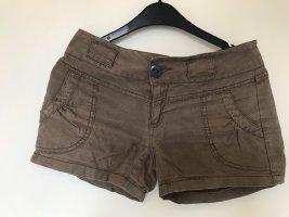 Braune Hotpants aus Leinen