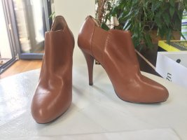 Braune Leder Ankleboots von Guess