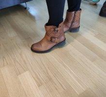 Braune Leder Boots Stiefeletten Buffalo für die Übergangszeit Herbst Winter