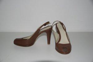 Braune Peeptoe-Sandaletten von Zara
