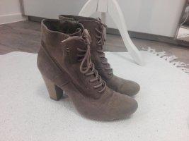 Braune Stiefel von Graceland
