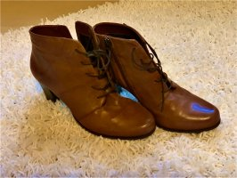 Gerry Weber Lace-up Booties cognac-coloured