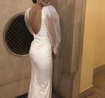 Suknia ślubna w kolorze białej wełny-biały