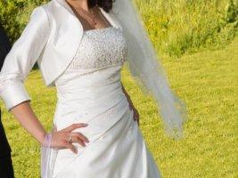 Brautkleid Lilly komplett mit Bolero und Petticoat, Größe 36