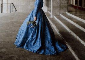 Abito da sposa blu fiordaliso