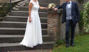 Bianco Evento Abito da sposa beige chiaro