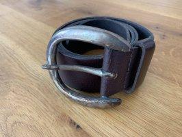 Breiter Ledergürtel im used-look