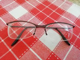 Glasses dark brown